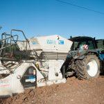 Das Gespann zur Verdichtung des Erdplanums mittels Kalk-Zement-Mischung