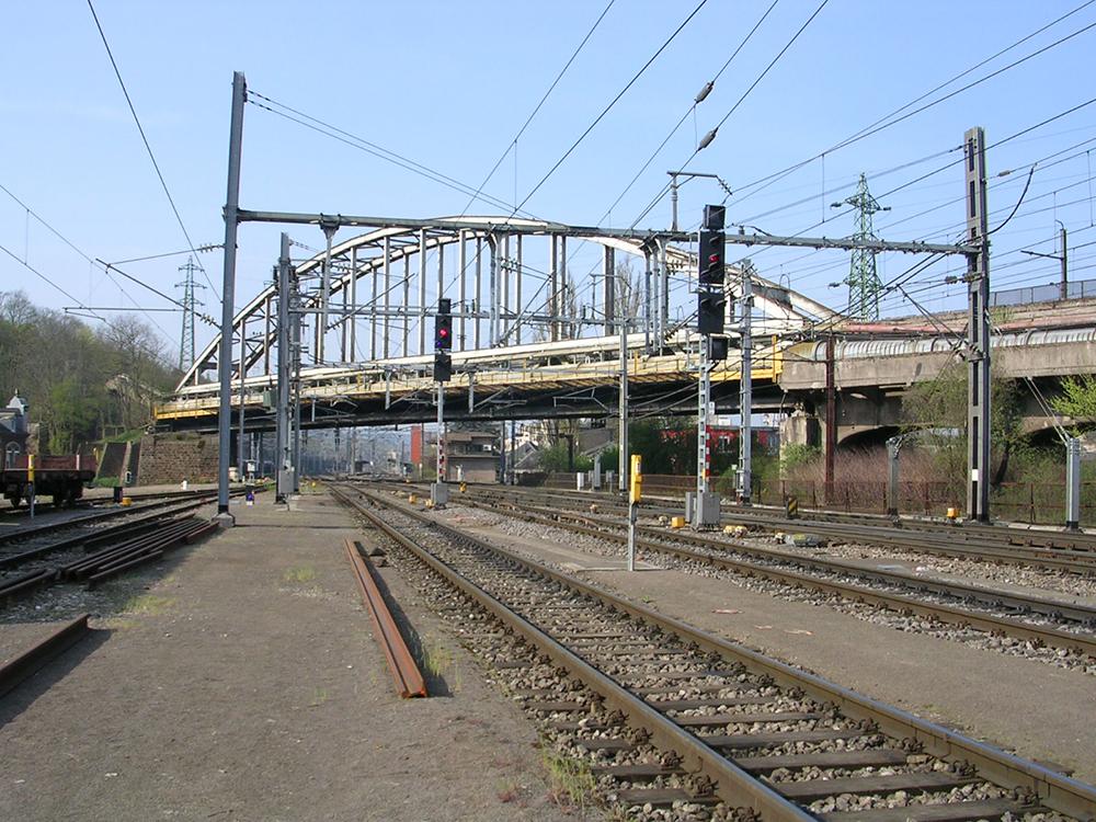 Der Abbau des Überwerfungsbauwerks nahe des Bahnhofs Esch-sur-Alzette ist ebenfalls während der Gleissperrung geplant