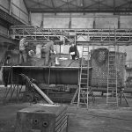 Boilermakers in Hall 1 (south side) between 1952-1964. Extreme care was called for when servicing the boilers, which had to withstand extreme pressure conditions. © Schmitz Christian.