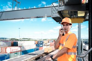 The crane operators at the Bettembourg-Dudelange intermodal terminal work in height.