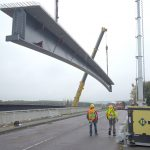 Lifting the girders for a future bridge over the new Luxembourg-Bettembourg line and the A3 motorway.