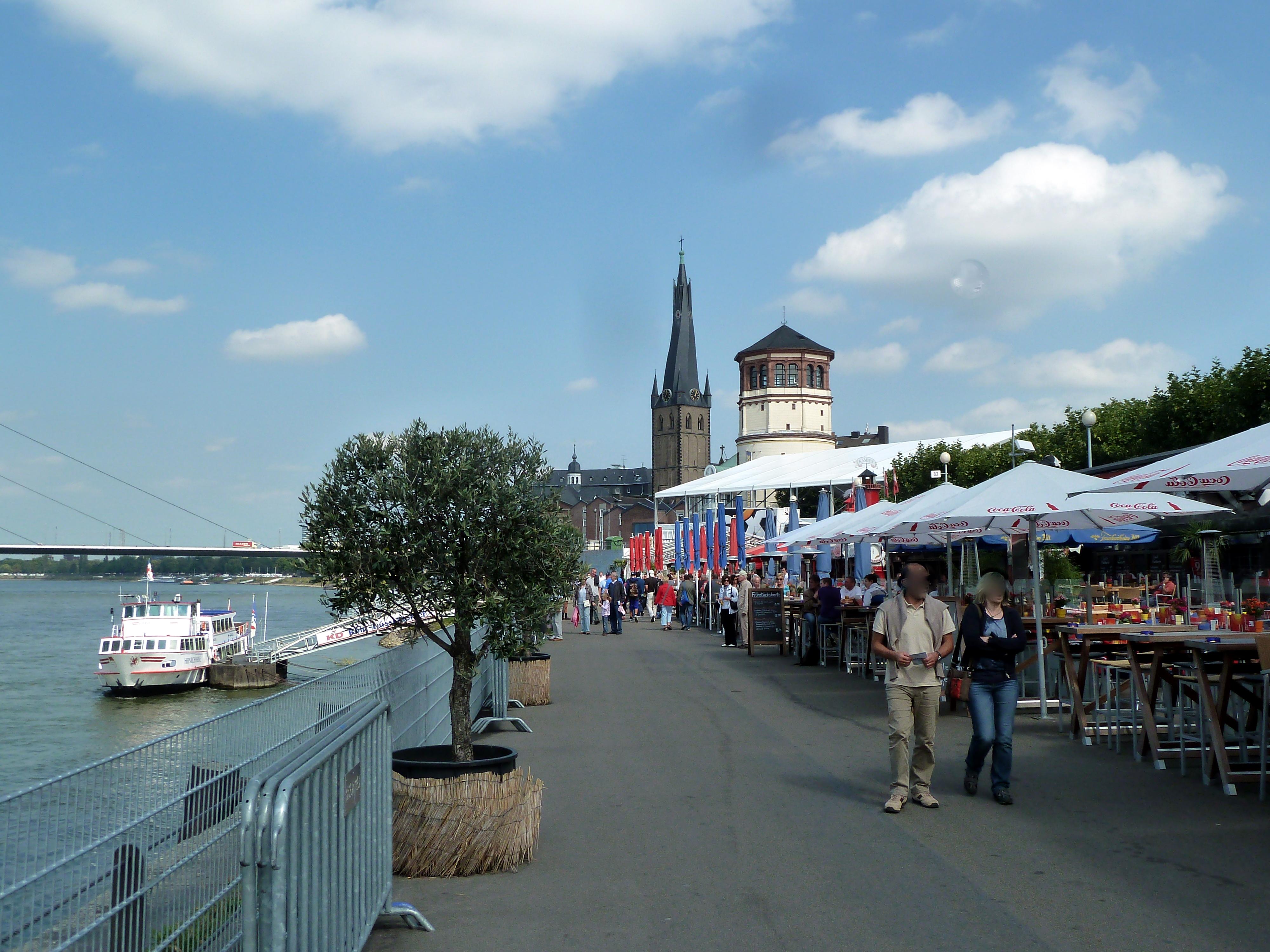 Düsseldorf Rheinuferpromenade Restaurant