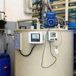 Contrôle : le taux de pH et de conductivité de l'eau permettent d'évaluer la propreté de celle-ci.
