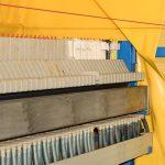 Pour maintenir la fonction du filtre à sable, ce-dernier est rétrolavé régulièrement. Les saletés restantes sont alors comprimés moyennant une presse de filtrage et déposées adéquatement par après.