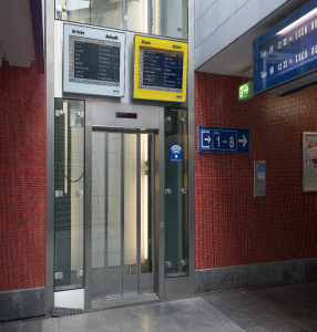 Access to the platforms by elevators